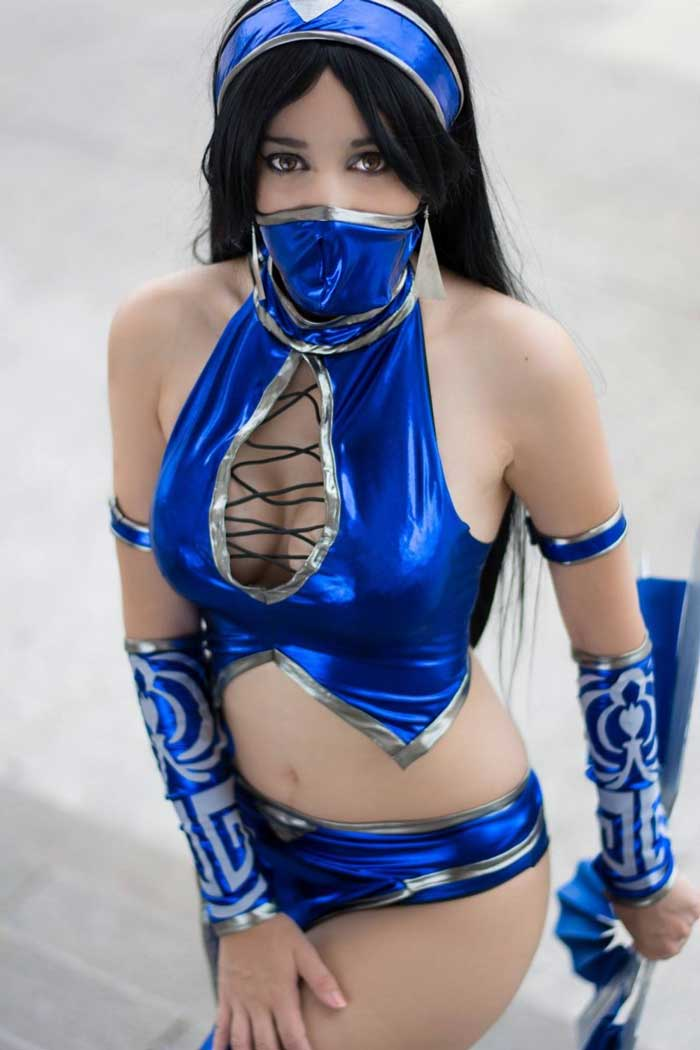Otaku House Cosplay Idol » Thélema: Kitana from Mortal Kombat